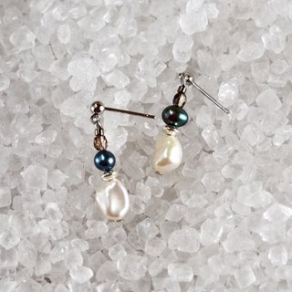 Black Swan - Black and White Pearl Sterling Silver Drop Earrings Ear/Aurture < Limited Edition>