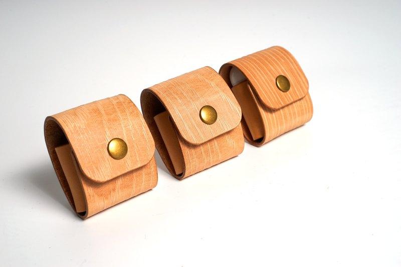【B.E.I.S】  AirPods 耳機保護套 | 木紋皮革 | 客人訂製