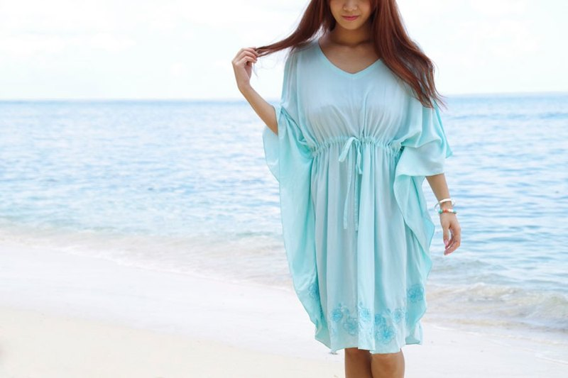 Hibiscus embroidered butterfly sleeve dress <Aqua>