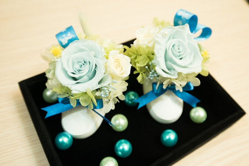 the apple of your eye│BABY SHOWER GIFT with preserved flowers