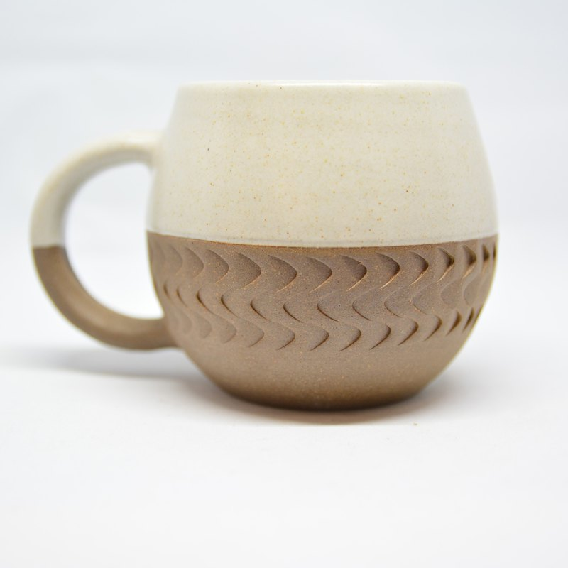 Bamboo grain round belly mug - white - fair trade