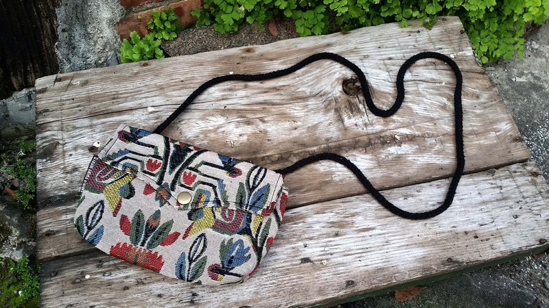 AMIN'S SHINY WORLD handmade custom Mexican tulip old cloth cover buckle Seagull Bag