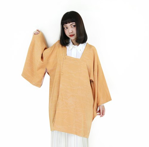 Back to Green :: Japan back to the creamy line pattern vintage kimono (KBI-63)