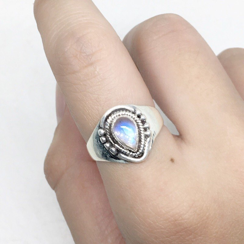Moonlight stone 925 sterling silver thick silver exotic style ring Nepal handmade mosaic production (style 1)