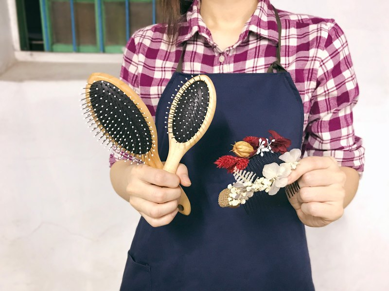 Limited Combination - Handmade Maple Exquisite Air Cushion Massage Comb (Large) + Handmade Flower Hair Accessories