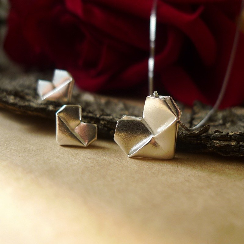 Sterling silver folded heart necklace and earring set