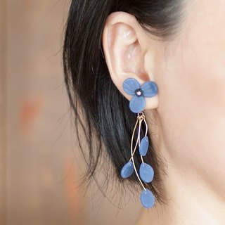 Flower Earrings / Earrings / Blue