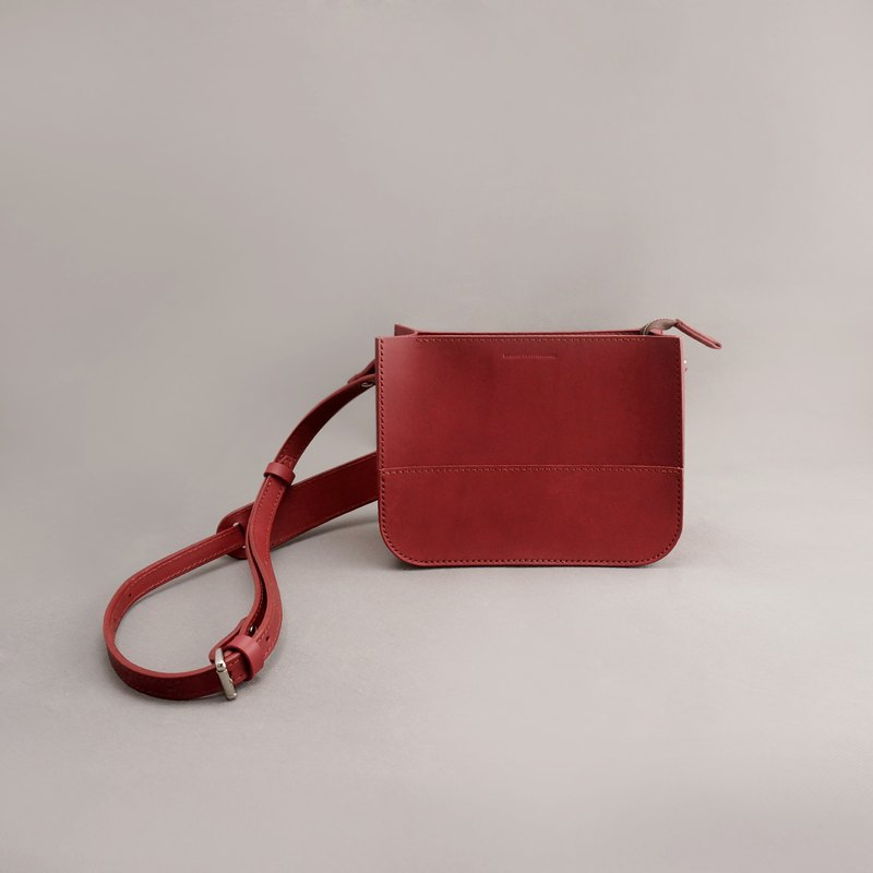Etta Yit leather carry-on bag side backpack cross-body bag / jujube red vegetable tanned leather / handmade bag