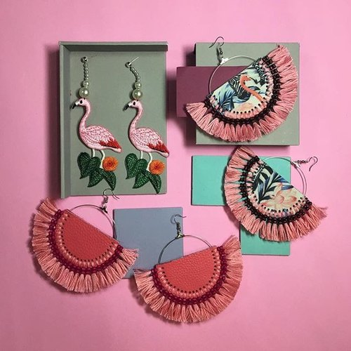 earrings : flamingo fan