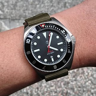 US retro military watch - U.S. Vietnam War Engraved Military Representation - Public Offering (Black)
