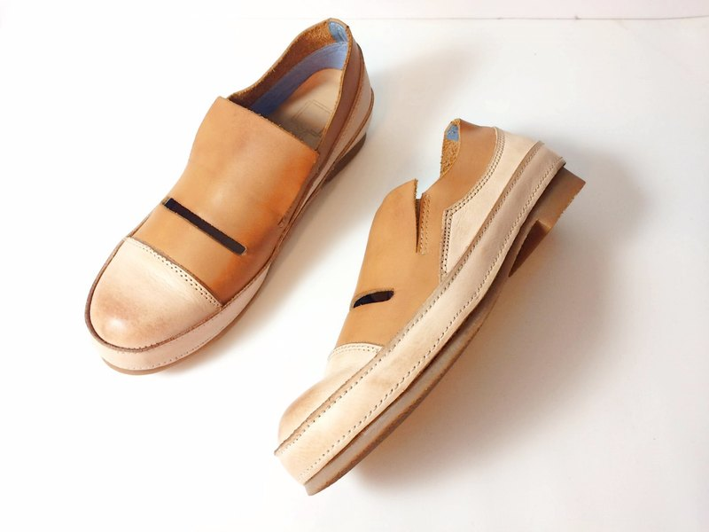 Painting # 8071 || Calfskin casual shoes casual caramel biscuits ||