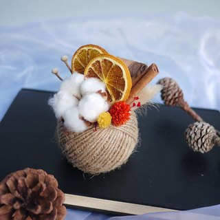 Christmas Praise - Earth Cotton Fruit Hemp Rope Dry Table Flower