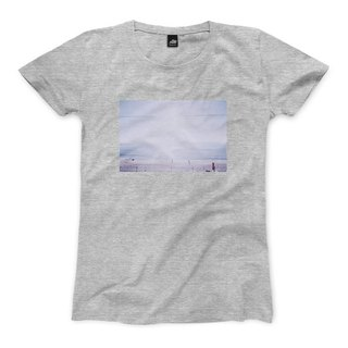A scene at Sea - Deep Gray - Women's T-Shirt