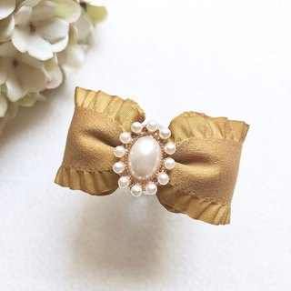 Elegant Pearl Ruffled Horsetail Ring / Autumn Yellow