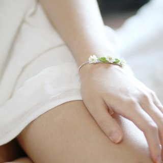 Daisy Resin Clay Floral Bangle