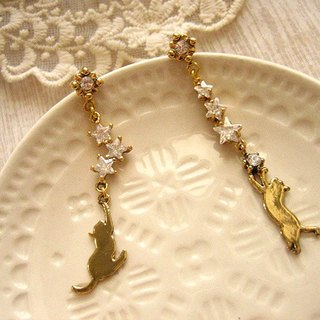 [Jolie baby meow star who chase the stars - cat Xingzuan asymmetrical earrings