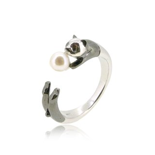 PANDA SHAPED SILVER RING WITH AKOYA PEARL