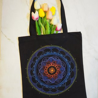 Hand-painted canvas bags Hand-painted bags Native Henna Mandala Painted Hanna Mandala Zen