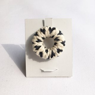【Resale】 knit circle brooch