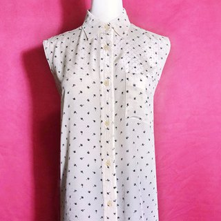 Small Flower Textured Pocket Sleeveless Vintage Shirt / Bring back VINTAGE abroad