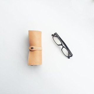 Scroll glasses case Nume leather using the Tochigi leather
