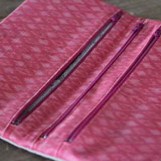 Jewelry pouch/wallet/clutch bag in hemp and handwoven Thai silk in pink color (JP0005)