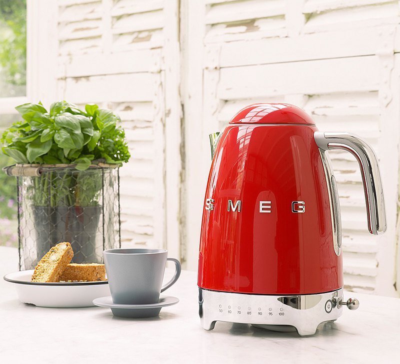 【SMEG】Italian Temperature Controlled Large Capacity 1.7L Electric Kettle-Charm Red