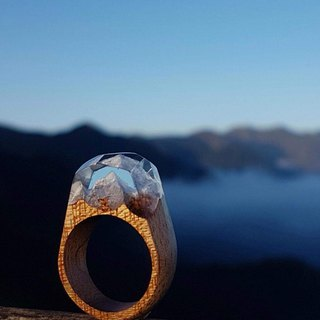 [Manually ordered] Phoebe Wood Clear Hands Snow Mountain Wood Ring