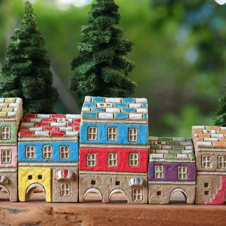 【Colorful Village】 - Hand-painted fairy tale small pottery house - rock gray - colored roof 5 pieces together (without wood accessories with hand tree)