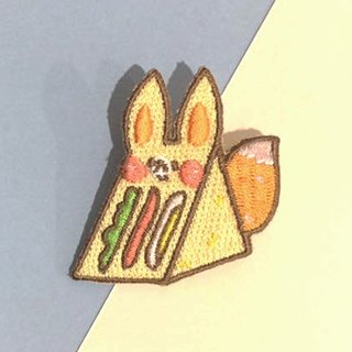 Dog clip star / original embroidery pin / sandwich fox