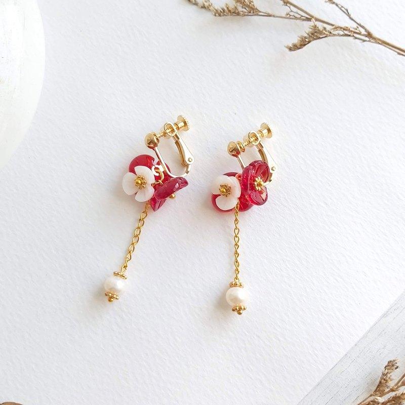 Aiyana 大紅繡球花 垂墜淡水珍珠 花環 復古系列耳環 - 耳針/耳夾