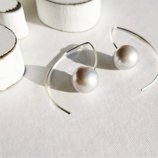 SV925SF * AAA big round silver pearl marquis pierced earing