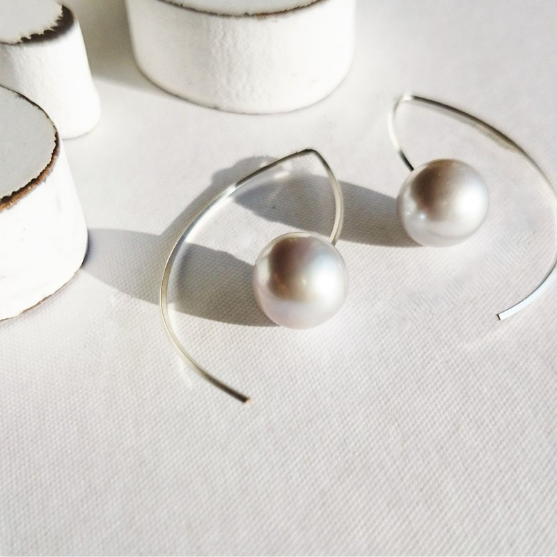 SV925SF*AAA big round silver pearl marquis pierced earing
