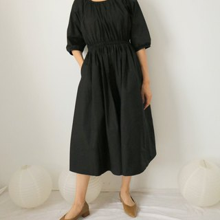 Mio Dress - Black cotton wrinkle square round neck elastic waist five points puff sleeves long dress