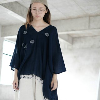 Flying bird | Indigo cotton thorn embroidery V-neck loose blouse shirt pure hand-made plant blue dyed belt tassel
