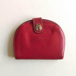 A ROOM MODEL - VINTAGE, BD-0535 Bally red semi-elliptical short clip