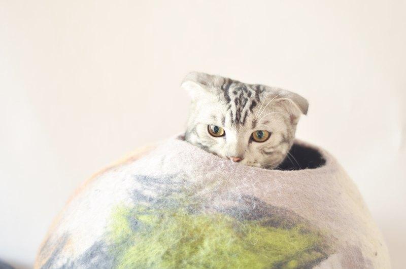 A Bulging Cobblestone Handmade Wool Felt Headed Cat Litter Cat Slave  Essential Pet Toys   Designer Afterschool | Pinkoi