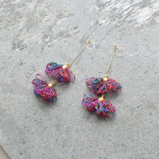 Tassel earrings/red flower