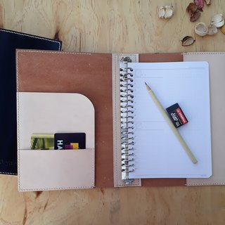 A5 loose-leaf notebook (20 holes) │ Italian vegetable tanned leather hand dyed color / original color can be branded (10 words)