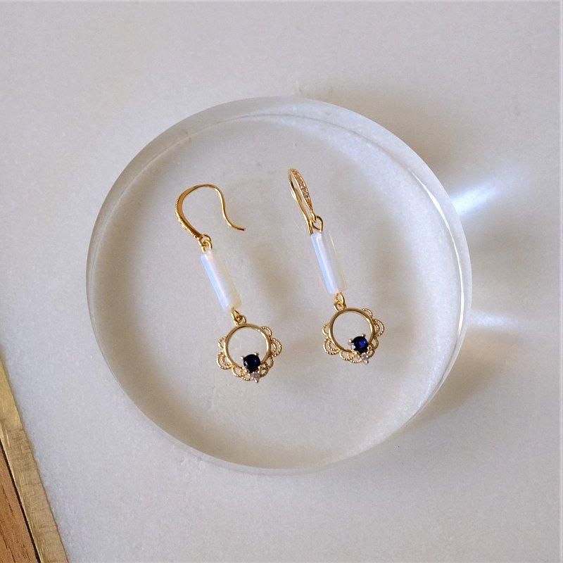 ALYSSA & JAMES 蕾絲花邊 藍色鋯石 蛋白石 耳環