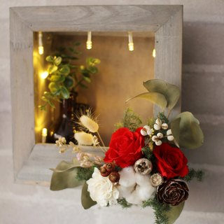 Kay Luo creative Hanayome - Christmas Wall decoration Lightbox (+ immortal flowers dried flowers)