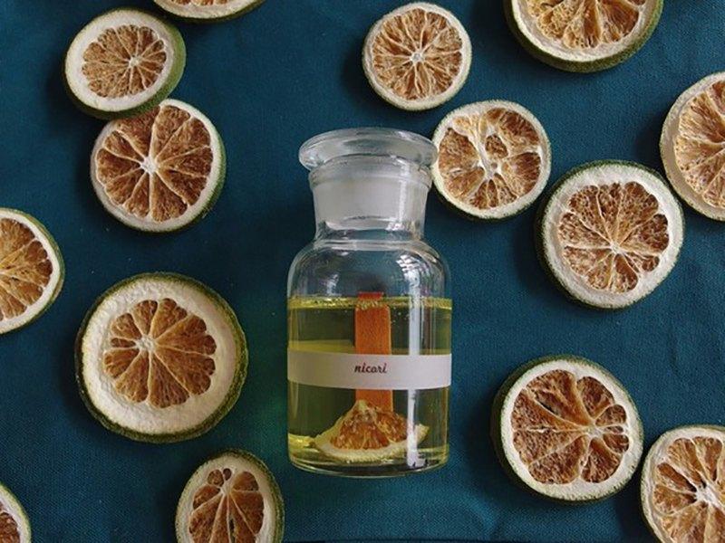 [香薰蠟燭 100% 柑橘調和精油] BOTABNICAL BOTTLE CANDLE