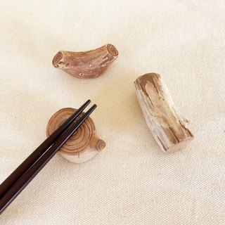 Imitation wood chopsticks holder