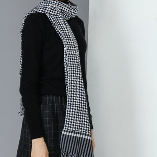 Pure wool knit houndstooth shawl