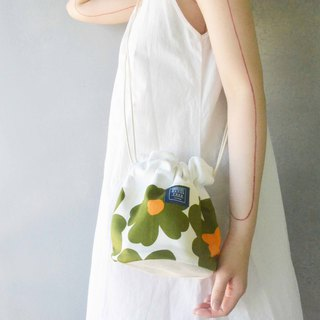 Side bucket bag _ Nordic Poppy _ Green