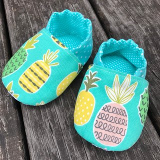 Want to toddler shoes - green