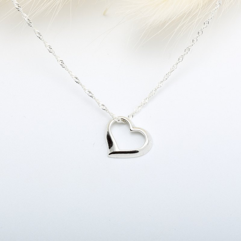 Small Heart s925 sterling silver necklace Valentines Day gift