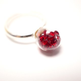 A Handmade glass mini red crystal ball ring