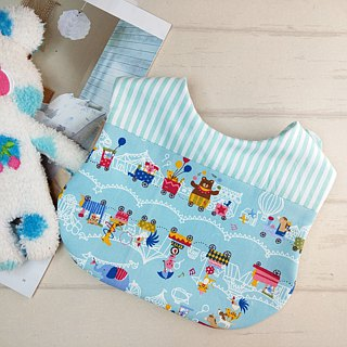 Circus animal. Two-sided bibs / bibs (double-layer cotton + four-fold yarn) (can be increased 40 embroidered name)