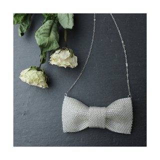 Beaded Ribbon Necklace (white)